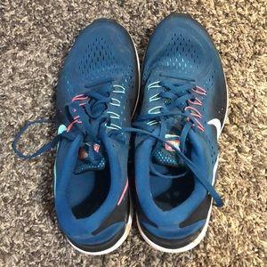Nike flex 2017 run tennis shoes